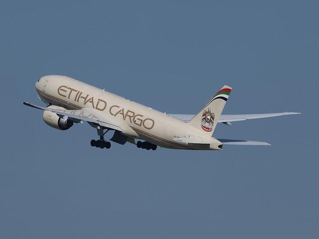 etihad-airways-867760_640.jpg